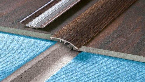 listwa ochronna wciskana 30 mm d b wiejski abud materia y budowlane. Black Bedroom Furniture Sets. Home Design Ideas